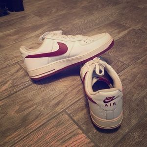 Nike Air Force 1 white red